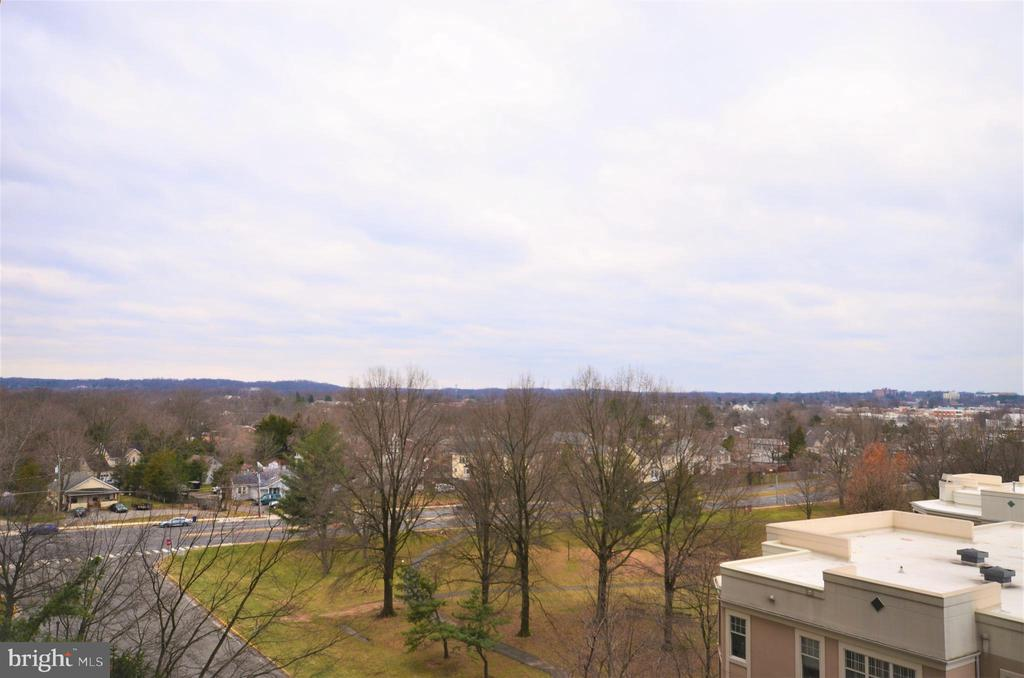 Photo of 5505 Seminary Rd #708n