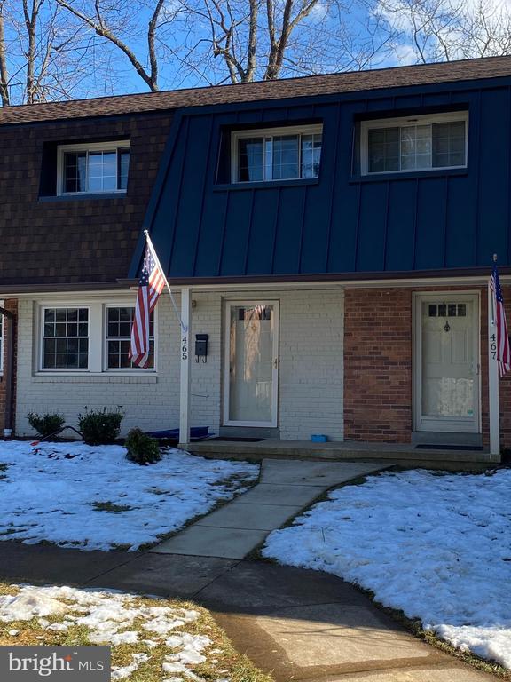 Photo of 465 Hampton Ct #115