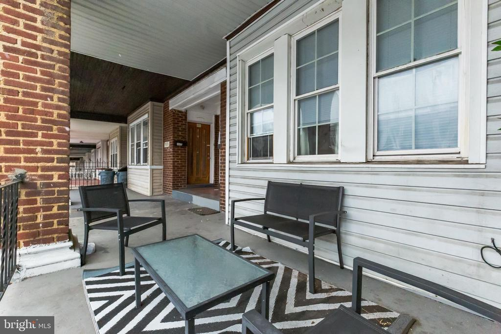 Spacious Duplex in West Philly just 2 blocks from the Market-Frankford Line. 2 spacious units with 2 bed+ office and 1 bath each.   Hardwood floors throughout.   Both units have basement access for value add with laundry.