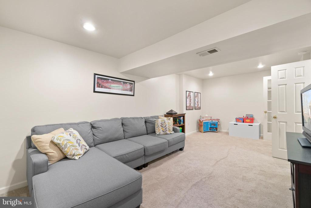 Photo of 2530 S Walter Reed Dr #1