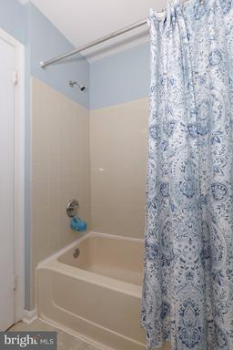 13669 Barren Springs Ct Centreville VA 20121