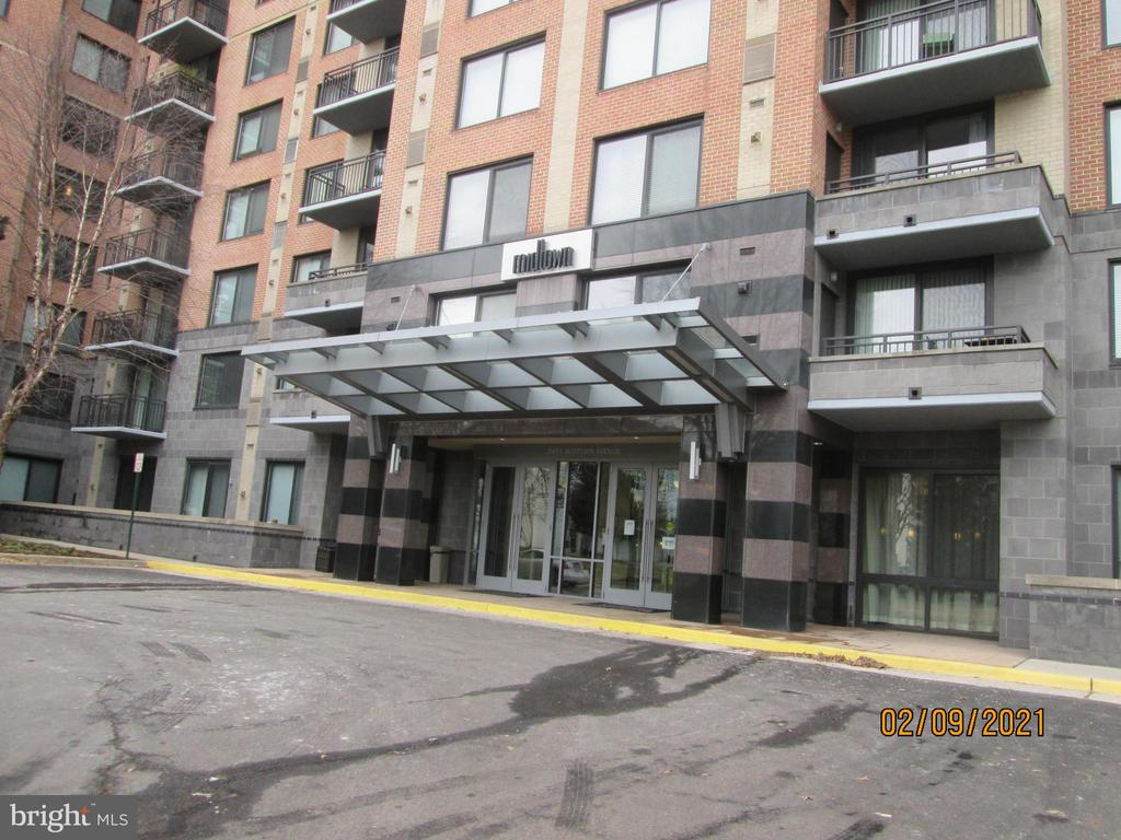 Photo of 2451 Midtown Ave #315