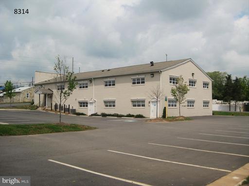 8314 Browns Ln #101 Manassas Park VA 20111