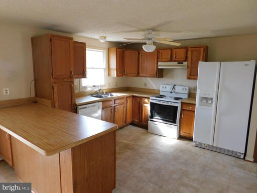 148 Lakeview Dr Colonial Beach VA 22443