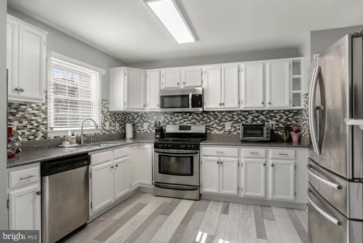 5809 Watermark Cir Centreville VA 20120