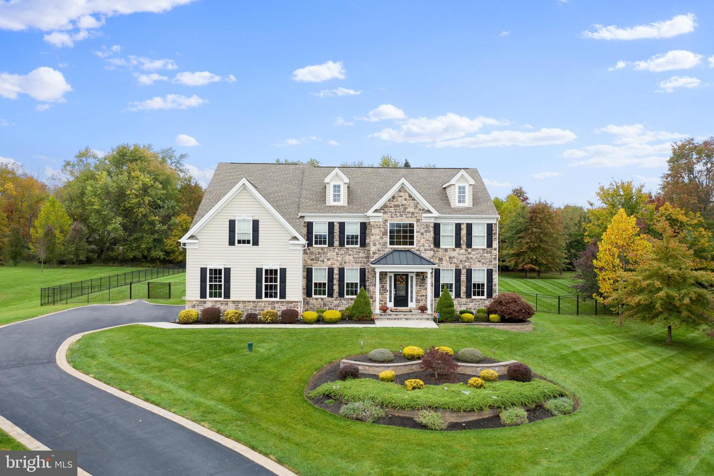 4 WINDING BROOK WAY, TITUSVILLE, NJ