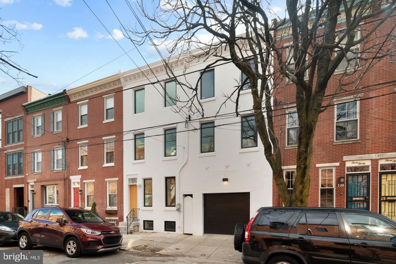 326 Monroe Street Philadelphia, PA 19147