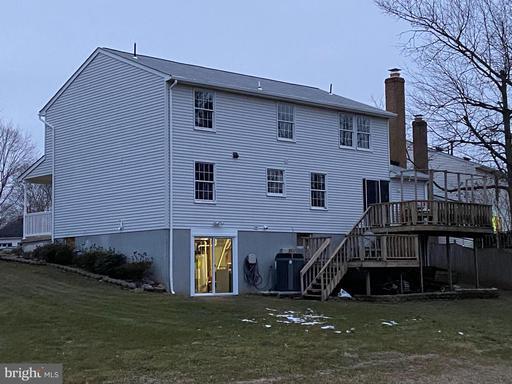 5485 Braddock Ridge Dr Centreville VA 20120
