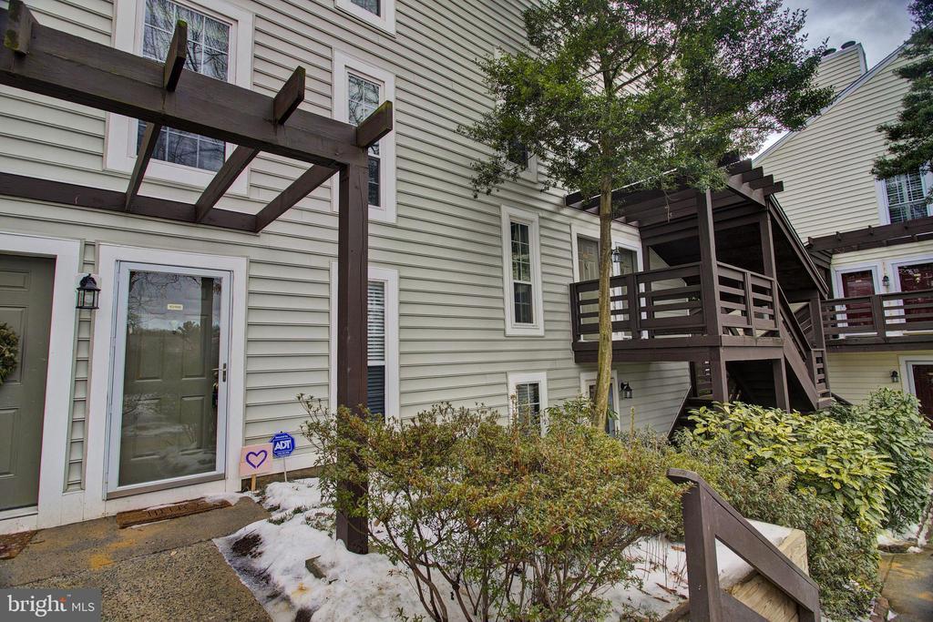 10196 Oakton Terrace Rd, Oakton, VA 22124