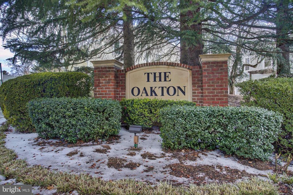 10196 Oakton Terrace Rd