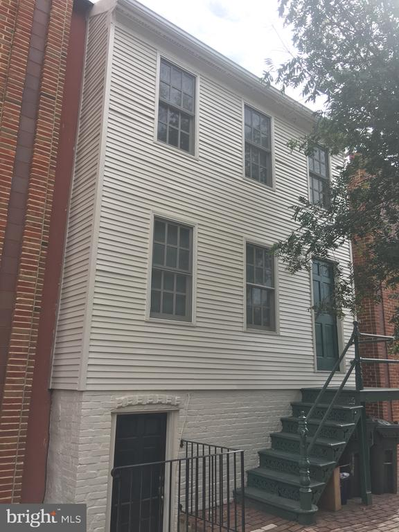 Photo of 113 N Fayette St