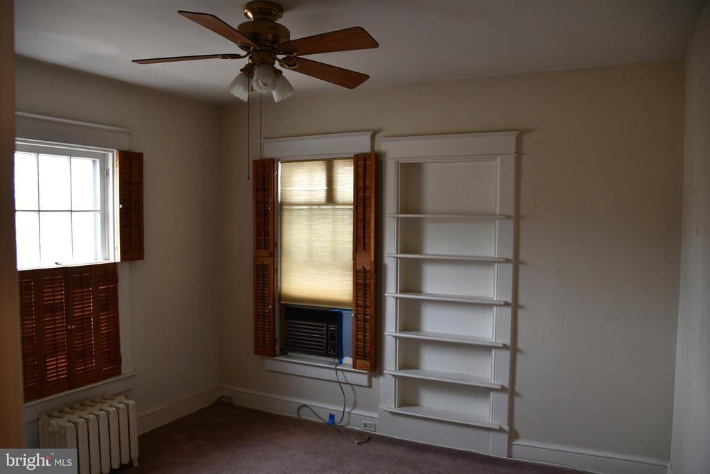 Photo of 937 N Edgewood St