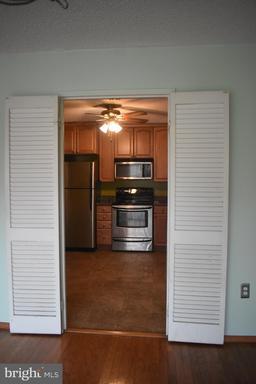 250 S Reynolds St #206, Alexandria, VA 22304