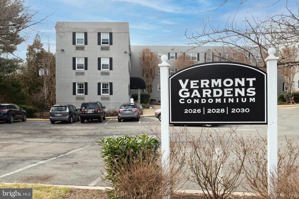 2026 N Vermont St #101
