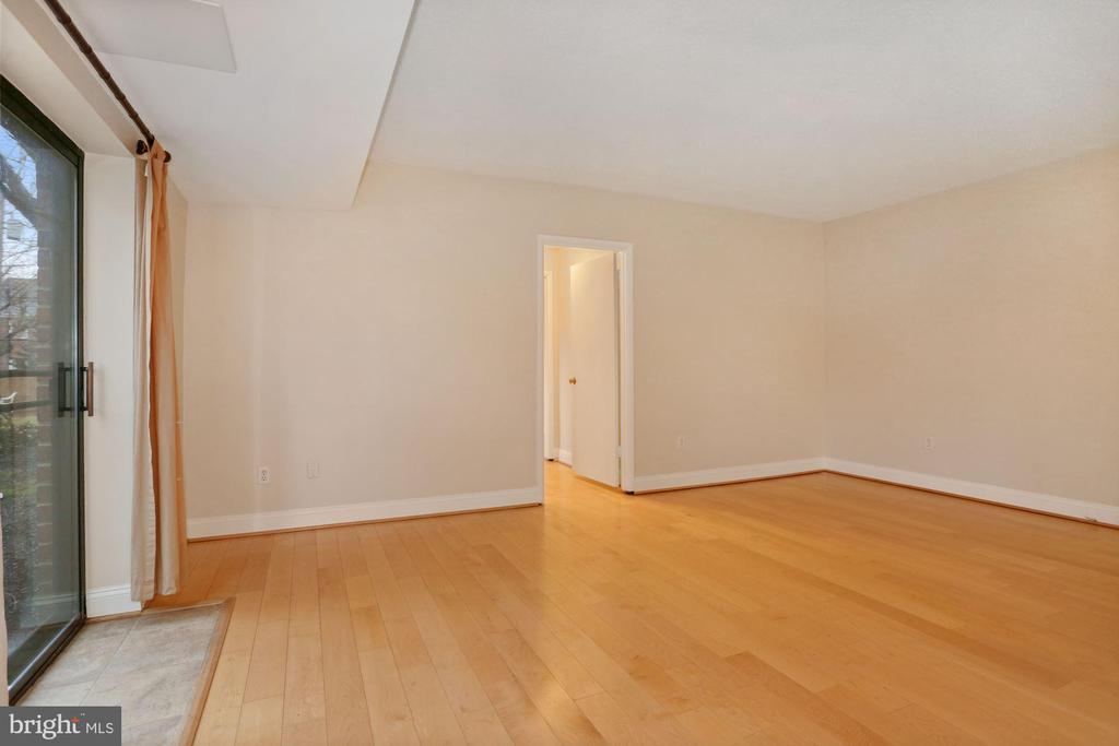 Photo of 3515 Washington Blvd #105