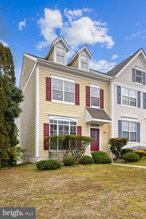 Wonderful remodeled Ridgeleigh townhome. Great open floor plan featuring a sun-filled living room and gourmet kitchen that offers, granite counter tops, all new top of the line stainless steel appliances, casual bar seating and adjacent to the breakfast area/dining room with full wall built-in cabinets  and two floor to ceiling glass patio doors leading to the large deck that overlooks a great backyard. The lower level offers a great family room complete with fireplace, full bath, office/den, and two patio doors that walk out to the back yard.  The second level offers 3 spacious bedrooms including the large two story master suite complete with vaulted ceiling, and the luxury master bath with a  huge walk-in closet. This is a prime location near shops and restaurants, Quantico and the I-95 Express Lanes. Beautifully remodeled throughout! You should see this townhome today.