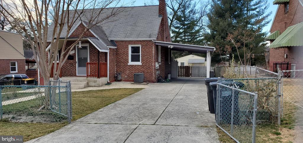 ALL BRICK CAPE COD. LEVELED, FENCED, BACKYARD. PERFECT STARTER HOME.  Finished Basement with one bedroom Rec room ceramic floor and bathroom. Huge concrete driveway