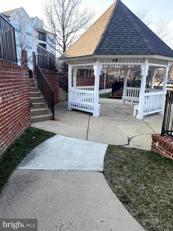 Photo of 4860 Eisenhower Ave #185