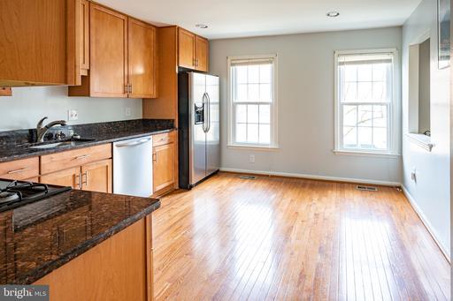 5936 Woodfield Estates Dr Alexandria VA 22310