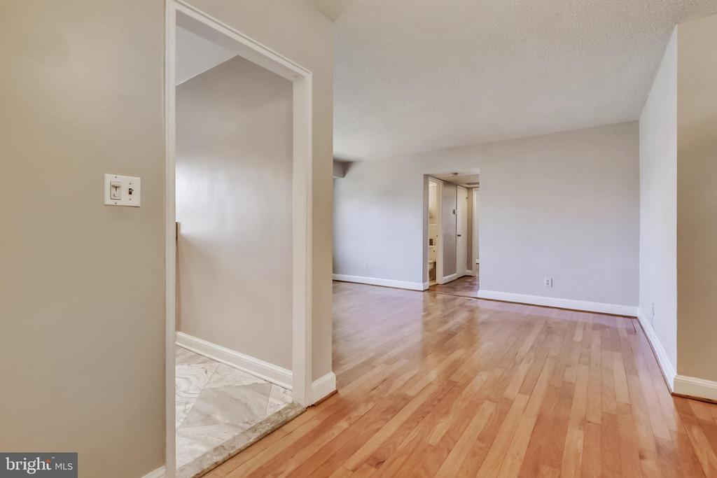 Photo of 1320 Fort Myer Dr #834