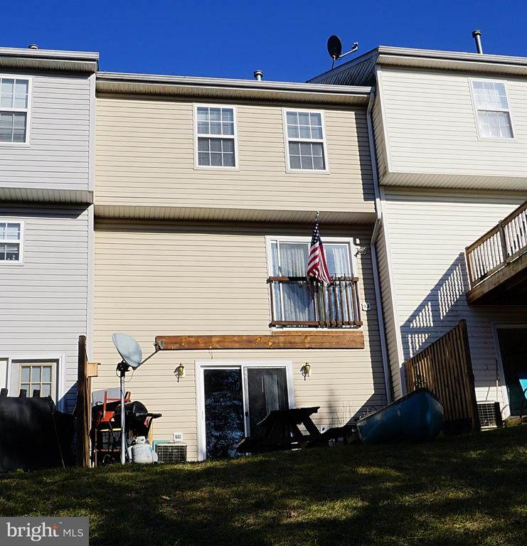 Photo of 102 Hupps Hill Ct
