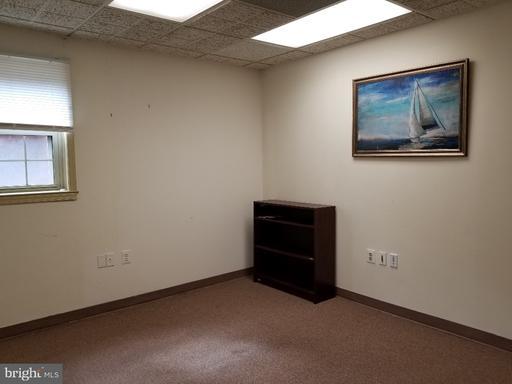 10472 Armstrong St Fairfax VA 22030