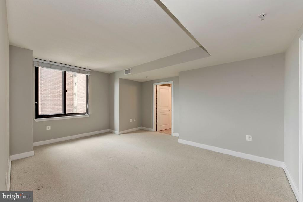 Photo of 2451 Midtown Ave #926
