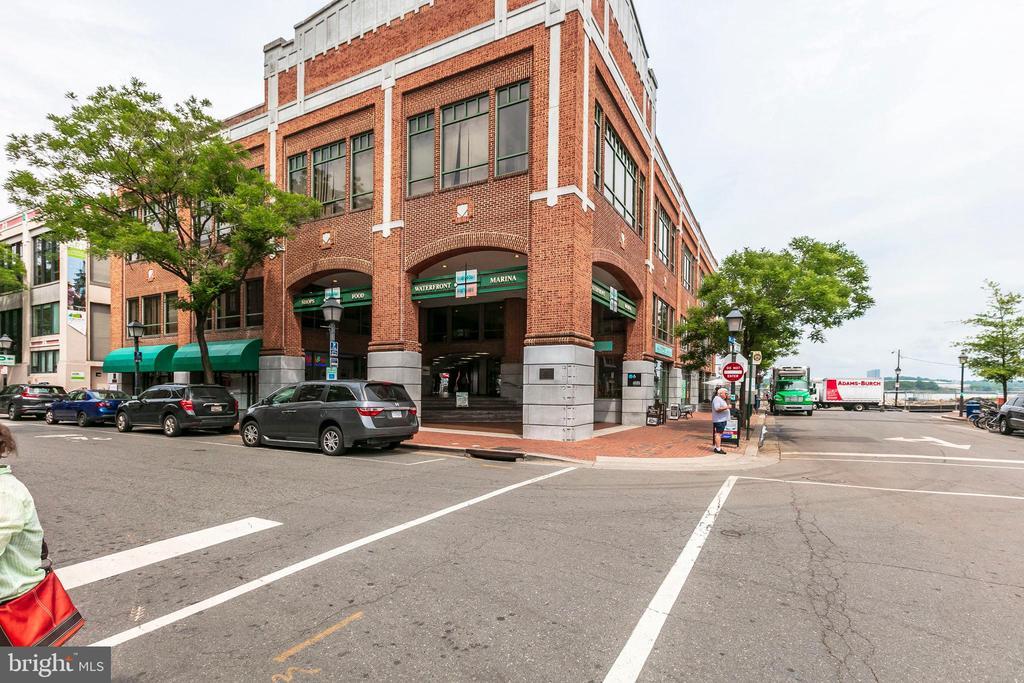 Photo of 922 S Washington St #209