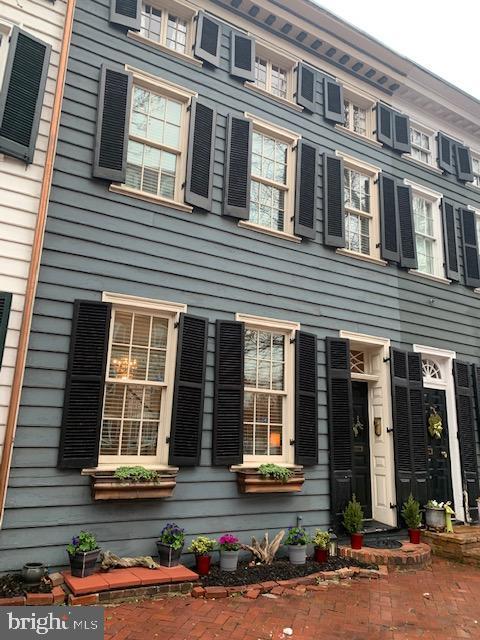 305 Washington Street   - Alexandria, Virginia 22314