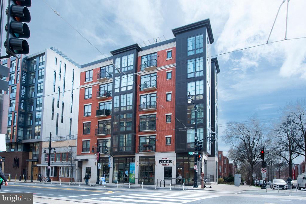 This is an IZ - Unit with income requirements. Need to check to see if you qualify?  Check eligibility here: https://dhcd.dc.gov/service/inclusionary-zoning-iz-affordable-housing-program.    This sleek studio unit is available right in the heart of the H Street Corridor. Recessed lighting, glass shower, balcony, gas stove, expansive sleeping/living area with lots of sunlight and fresh air from the oversized window and patio door leading to the balcony. The DC Streetcar station is in front of the building and Union Station is just over the bridge that connects to the rest of the Metro system. Giant, Sidamo Coffee, Whole Foods, and tons of restaurants are all within steps. Come and see why everyone loves this neighborhood.
