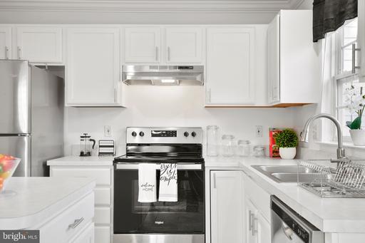 6779 Stone Maple Ter Centreville VA 20121