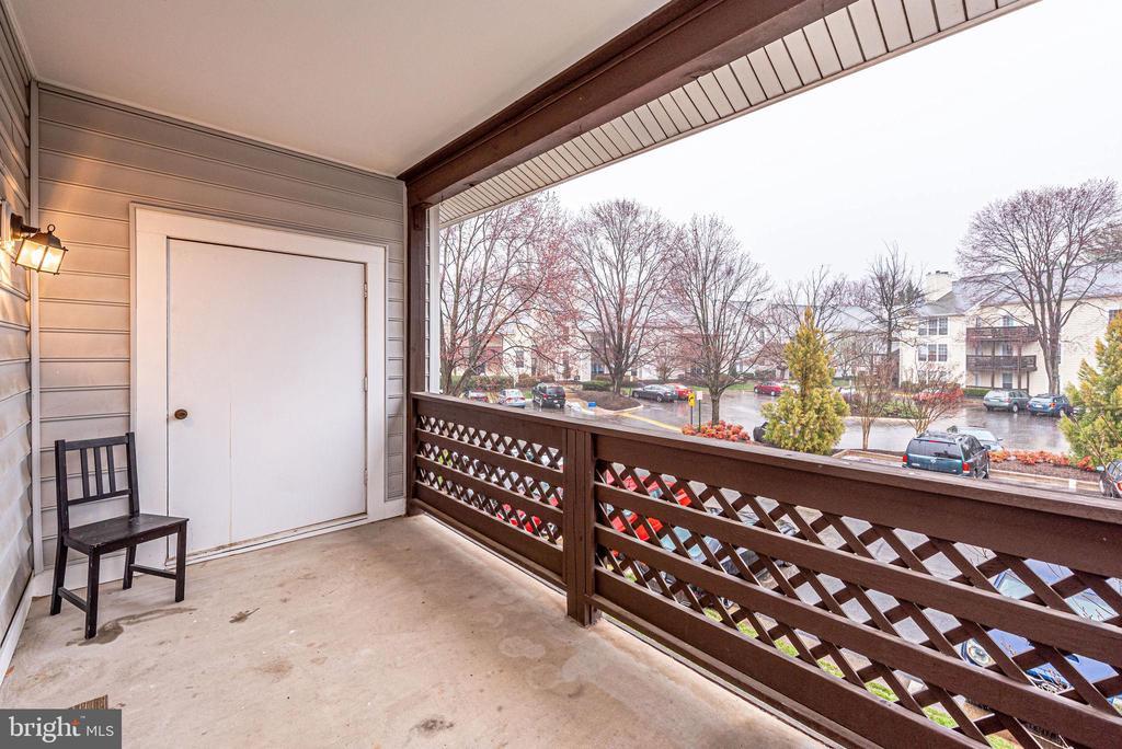 Photo of 10051 Oakton Terrace Rd