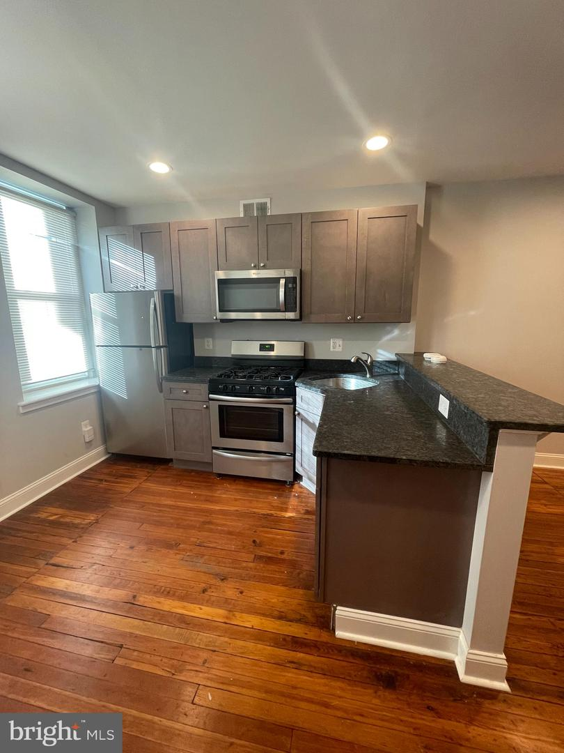 1736 S 2nd Street UNIT #1 Philadelphia, PA 19148