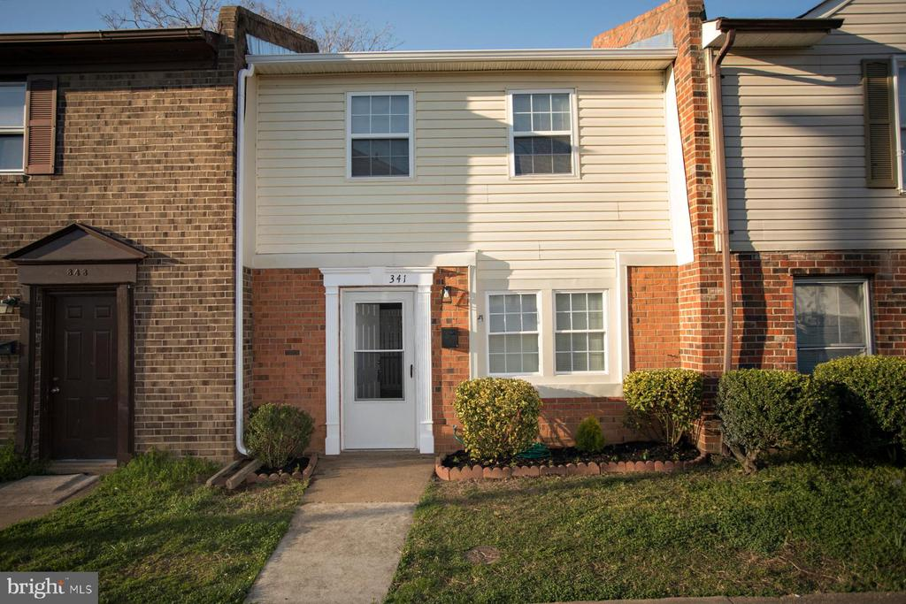 Renovated 2 bedroom, 1.5 bathroom townhome in the City of Fredericksburg. Back of unit has been re-sided. New electric panel. New LTV flooring on first floor. New kitchen cabinets, upgraded countertops, stainless steel appliances, and front load washer and dryer. New carpet on stairs and 2nd floor. Bathrooms feature new ceramic tile, vanities, and toilets. Incredible tile work in tub/ shower. Back yard has been seeded and strawed. Centrally located to Central Park, Rt 1, I95, and Mary Washington Hospital. Affordable and move-in ready! You can't beat this townhome!