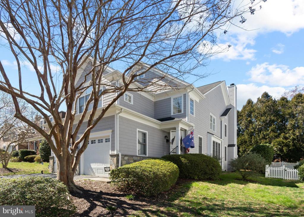 1156 Colonial Rd, McLean, VA 22101