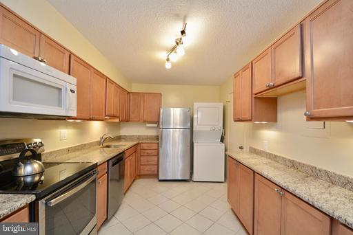 5903 Mount Eagle Dr #102, Alexandria 22303