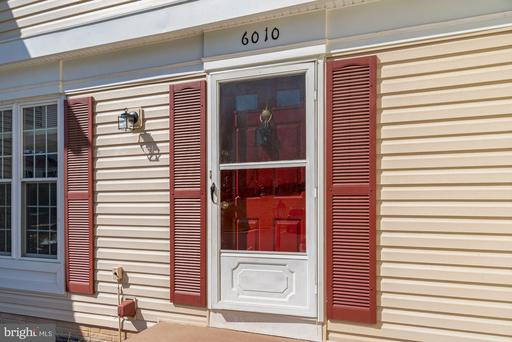 6010 Westbourne Pl Centreville VA 20120