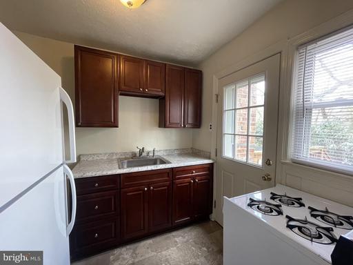 1653 N Colonial Ter Arlington VA 22209