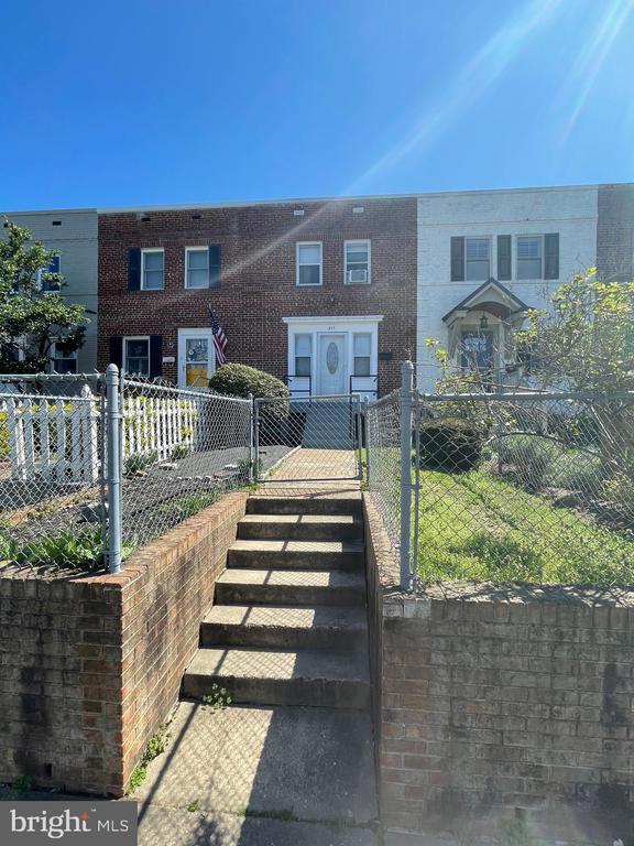 317 Mount Vernon Ave, Alexandria, VA 22301