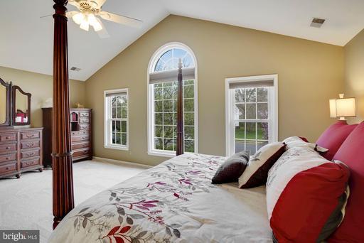 15417 Eagle Tavern Ln Centreville VA 20120