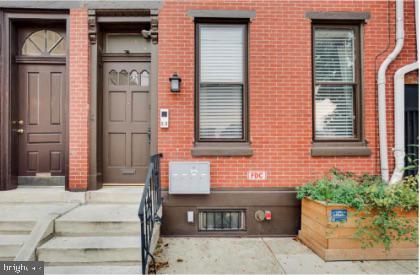 821 N Franklin St, Philadelphia, PA, 19123