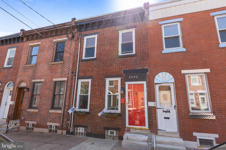2445 Cedar Street Philadelphia, PA 19125