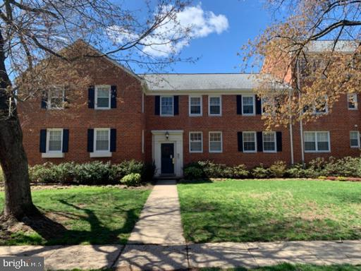 6612 10th St #A2, Alexandria, VA 22307