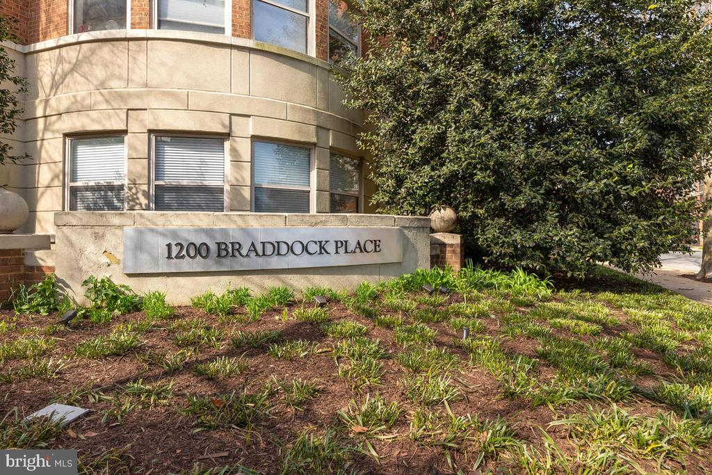 Photo of 1200 Braddock Pl #101