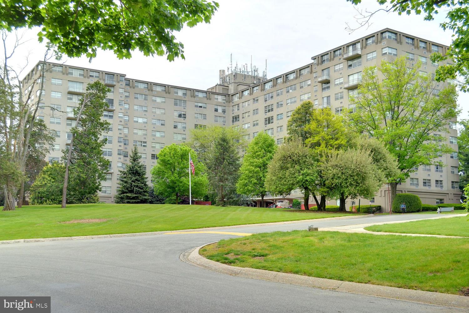 Great 2 bedroom unit in the Radnor House building located in sought after Bryn Mawr.  This unit boasts a walk-out balcony overlooking the pool, great light and views! This unit offers an open living room and kitchen. Radnor House offers secured entrances with security desk, on site laundry, grand lobby, plenty of outside parking with the option to park in the garage at a monthly rate, walk to the train, shopping and dining. Beautiful community pool and outdoor playground is for residents only. Do not miss out on this great opportunity!