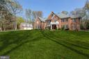 5816 Hallowing Dr