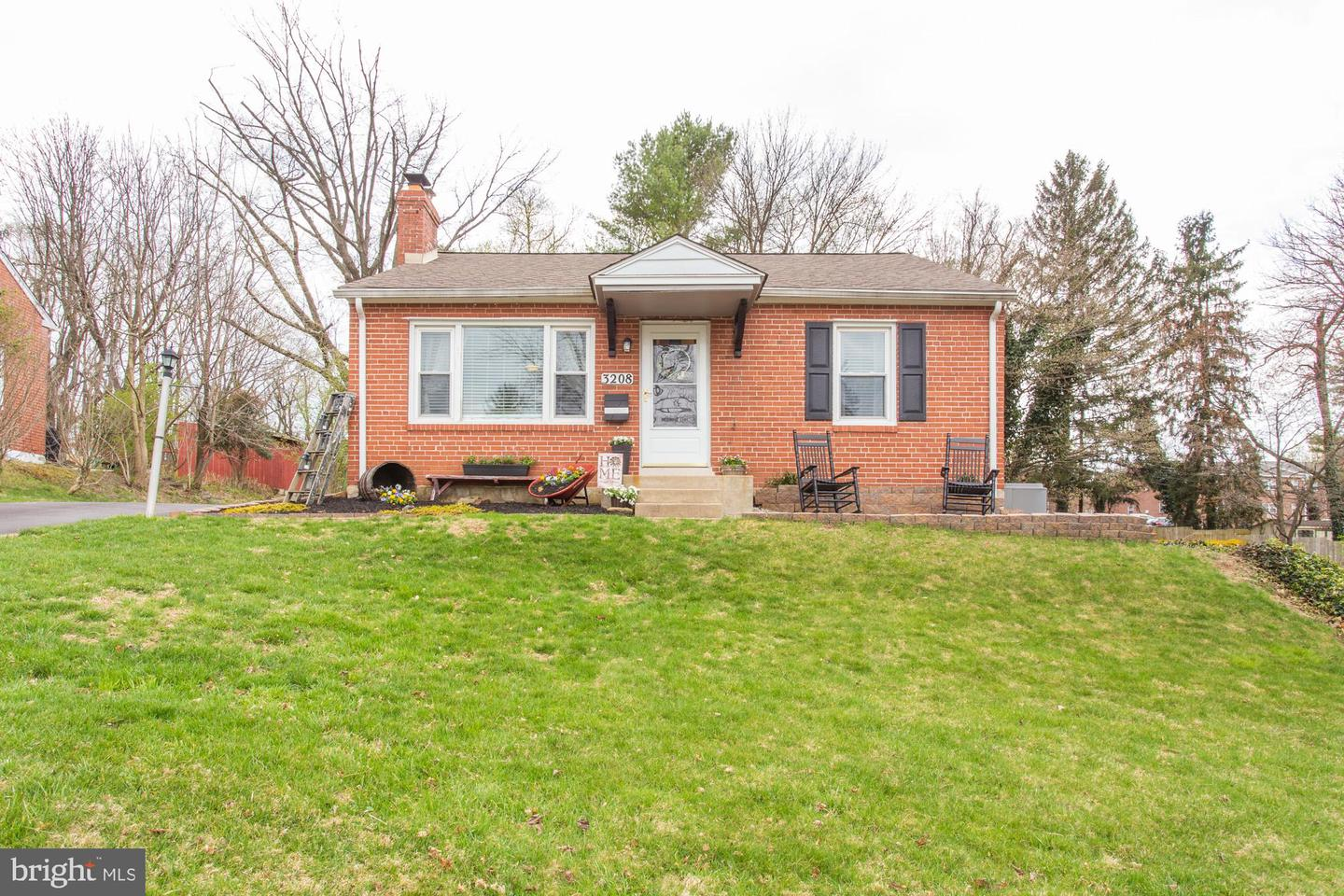 3208 Hilltop Road Newtown Square, PA 19073