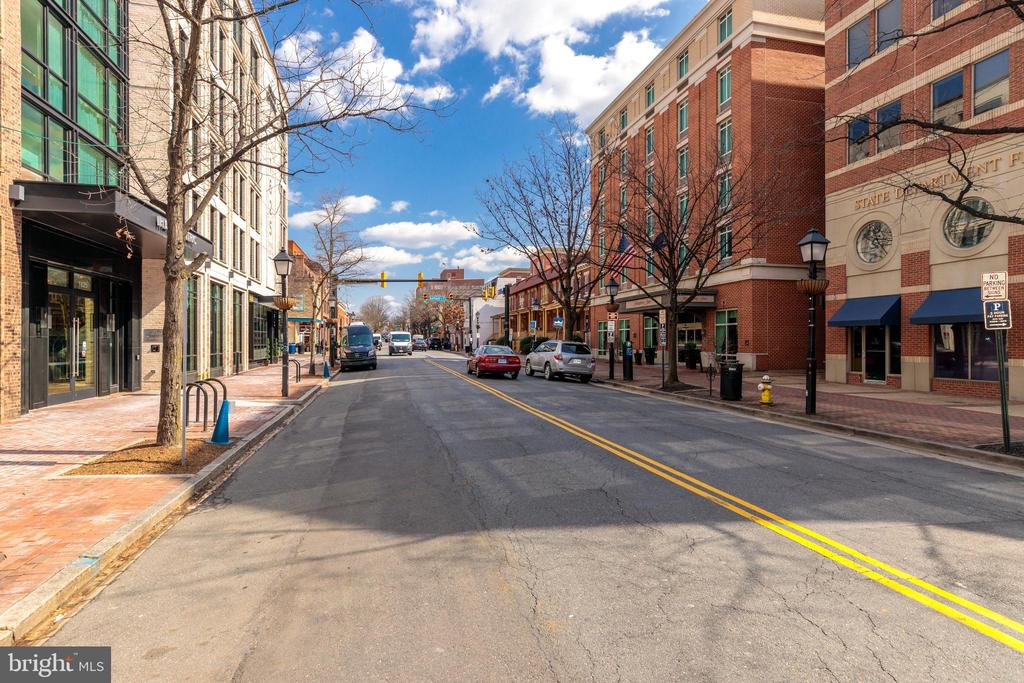 Photo of 1255 Madison St