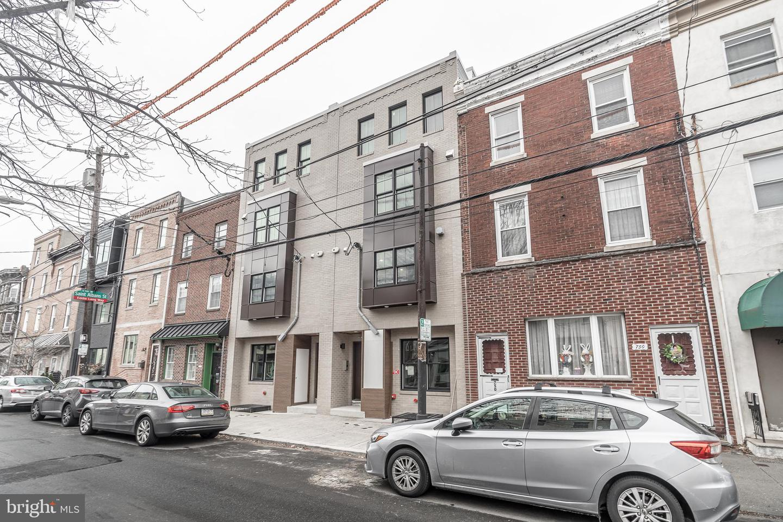 754 S 8th Street UNIT #2 Philadelphia, PA 19147