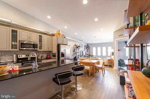 Property for sale at 135 N 3rd St #Unit 5b, Philadelphia,  Pennsylvania 19106